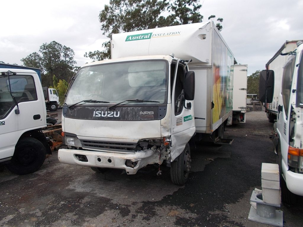 isuzu-broken-trucks-flyer